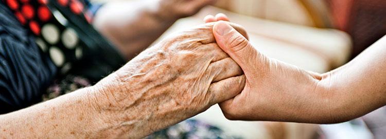 ویژگی های پرستار سالمند  |خصوصیات پرستار سالمند خوب چیست
