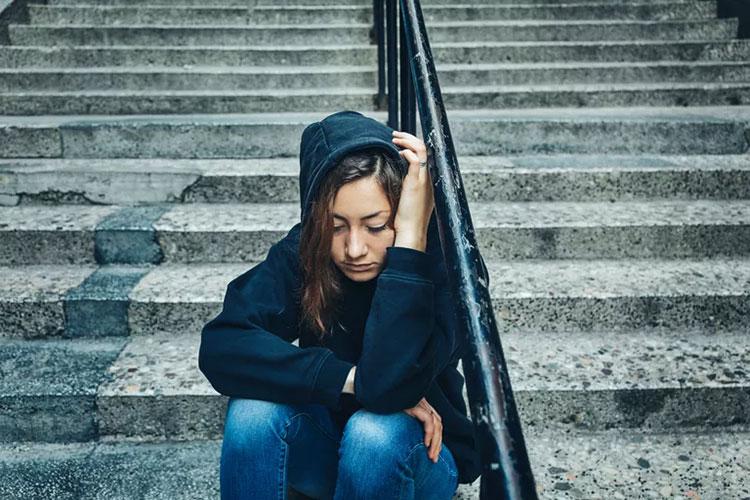 اختلال شخصیت افسرده   ویژگی های اختلال شخصیت افسرده چیست   فرد افسرده