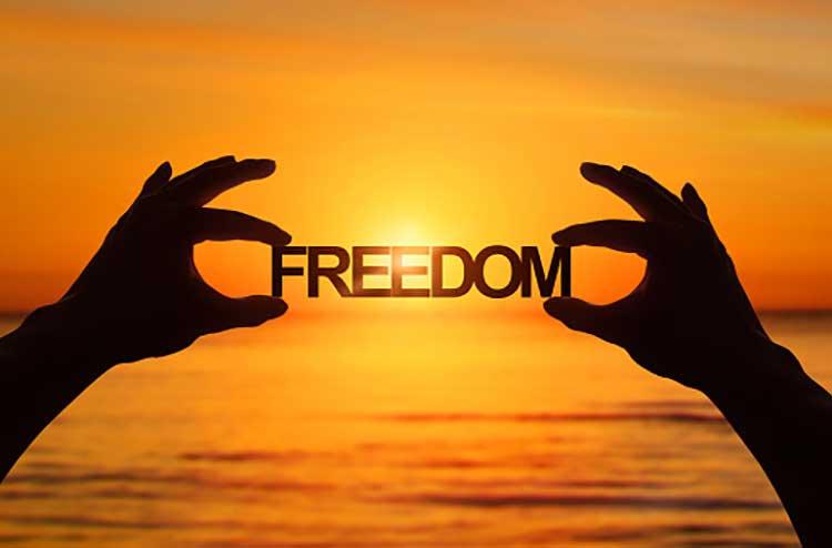 آزادی چیست آزادی انسان یعنی چه چگونه به احساس آزادی برسیم
